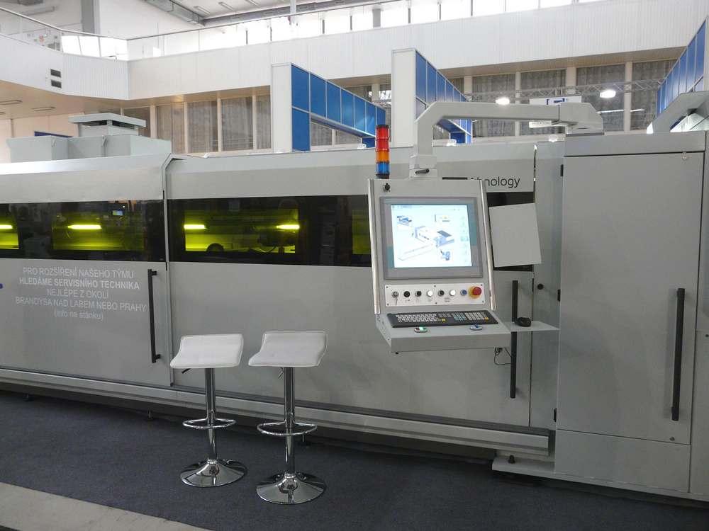 LC5 - řídící panel stroje
