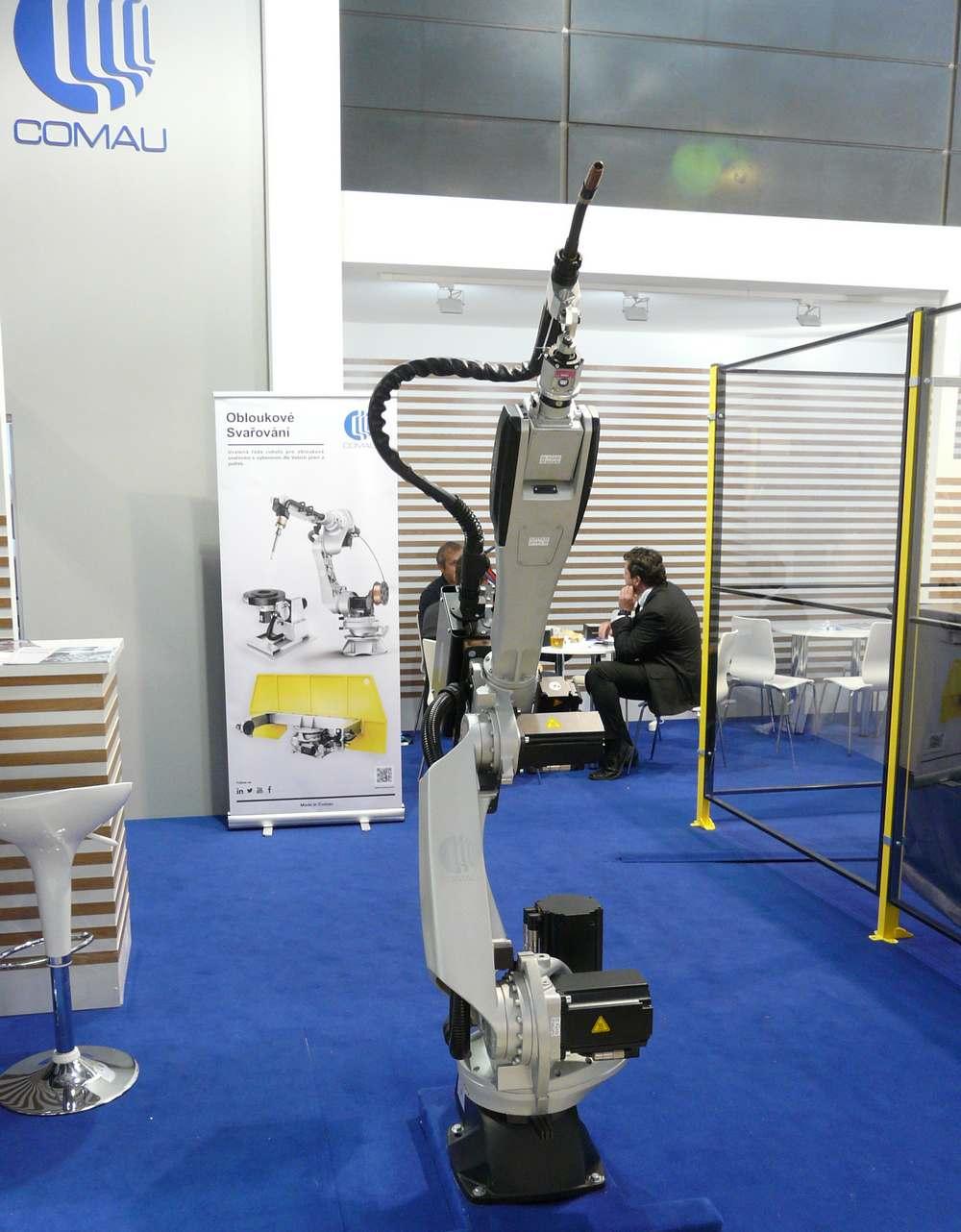 Comau svařovací robot